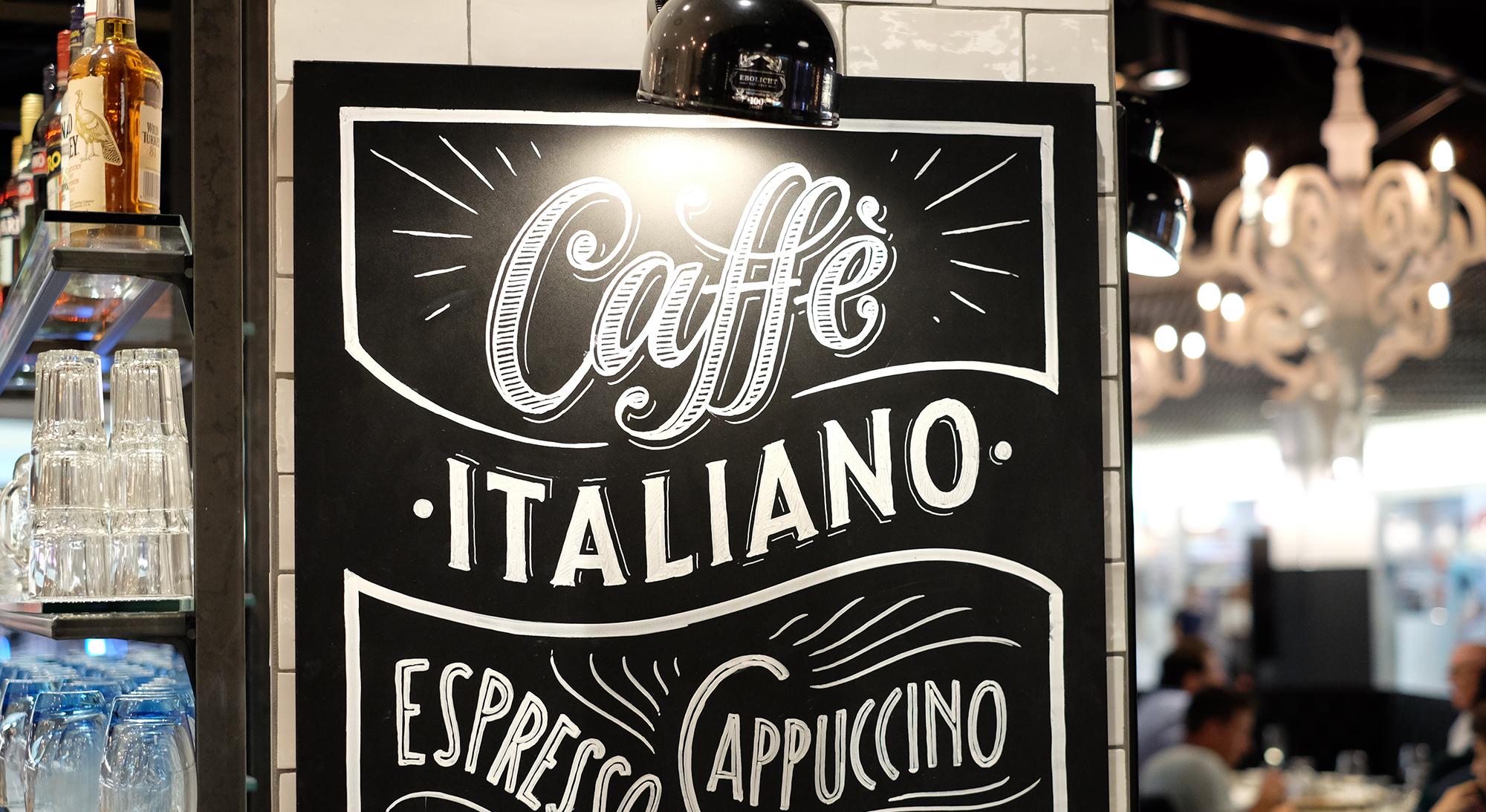 Ristorante Spiga, Tivoli Foodcourt, caffè italiano Kreidetafel, Schriftenmalerei, Wandbeschriftung, hand gemalt, Tafelbeschriftung, Tafelmaler