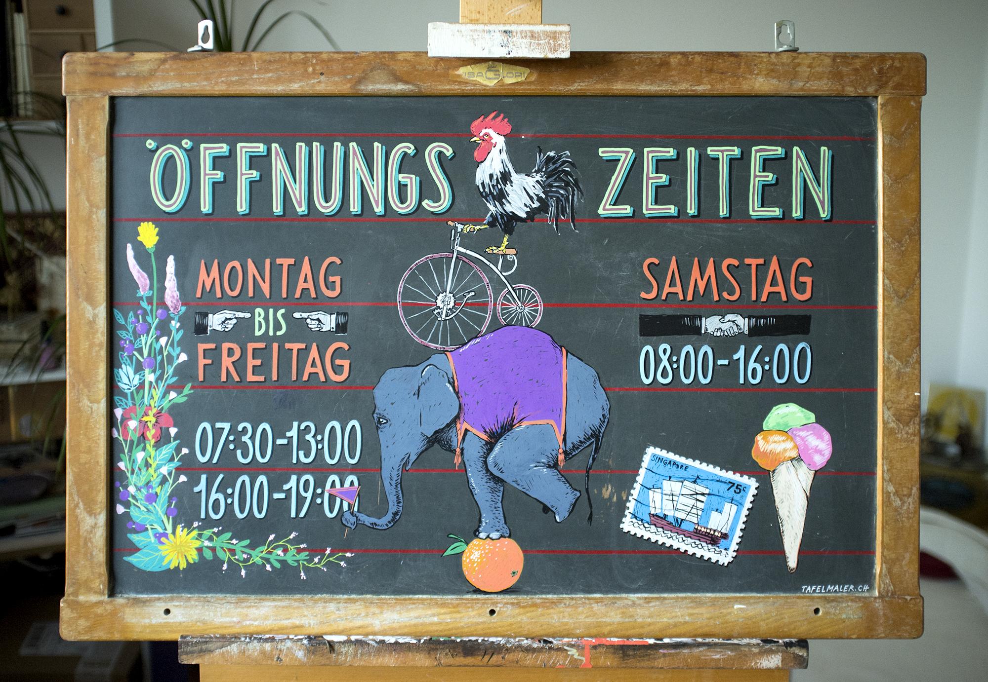 Betulius Balasso, Öffnungszeiten, Kundenstopper Kreidetafel, Schriftenmalerei, Wandbeschriftung, hand gemalt, Tafelbeschriftung, Tafelmaler