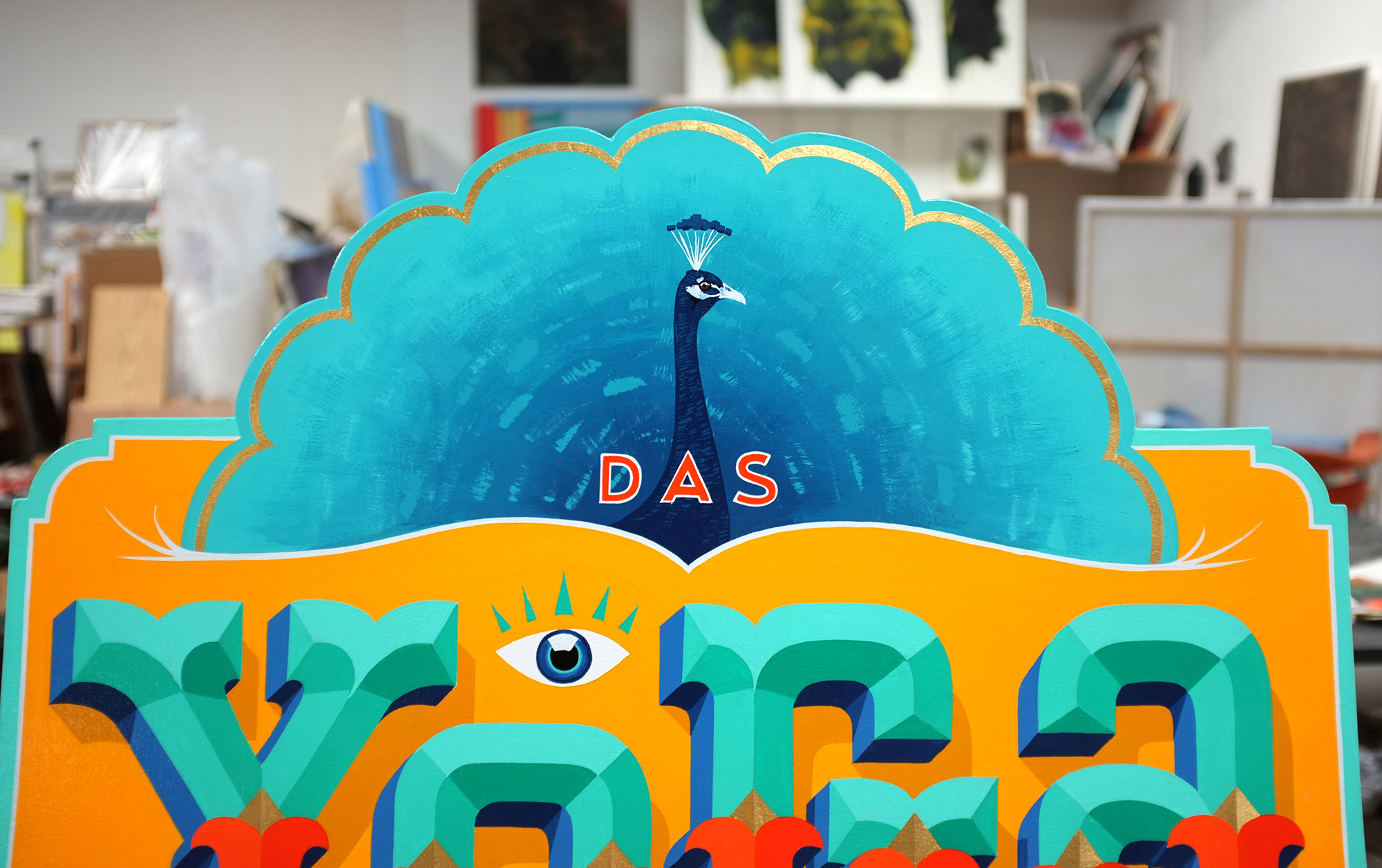Das Yoga Haus, Kundenstopper, Schriftenmalerei, Wandbeschriftung, hand gemalt, Tafelbeschriftung, Tafelmaler, sign painting, Zürich, Mathias Truniger, hand lettering, type design, Hinterglasvergoldung, reverse glass gilding, gold leaf